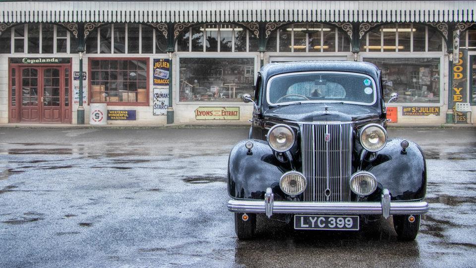Black-Car-Soft-Focus-2-960x540.jpg